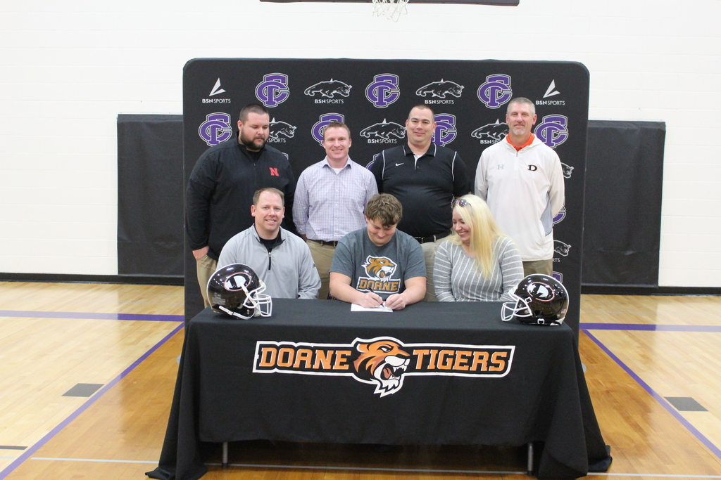 Ellijah signing with Doane